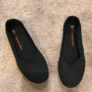 Bernie mev catwalk black memory foam shoes.